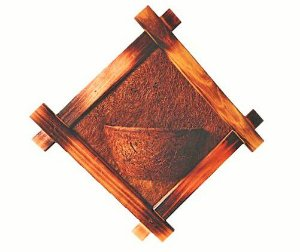 Vaso Artesanal Rústico de Parede - Madeira e Fibra de Coco - 57 x 57cm