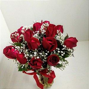Buquê 12 rosas vermelhas no vaso de vidro
