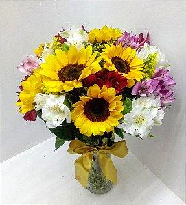 Vaso girassóis com astromelias coloridas