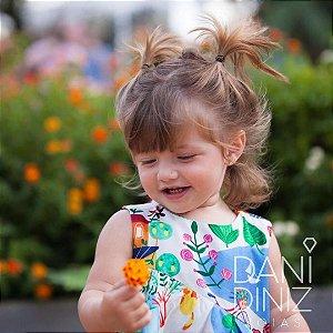 Brinco mini flor cravejada Bella