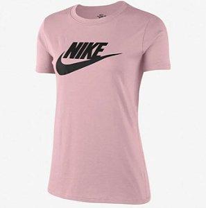 Camiseta Feminina Nike Sportswear Essential Icon Rosa