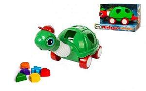 Tartaruga puxa estica