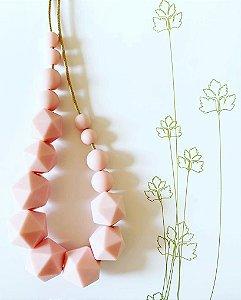Colar mordedor geométrico cor rose