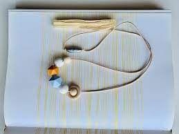 Colar órbita cor: flocos/névoa