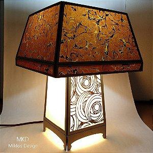 Luminária de mesa Mission