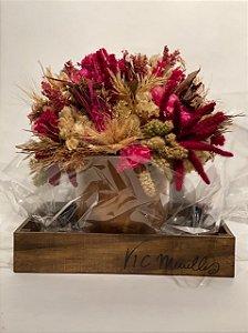 Vaso de Barro com arranjo natural, desidratado, com trigo, primavera e sorgo