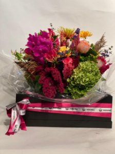 Arranjo Natural com Rosas, Gloriosas, Orquídeas e Sementes