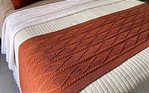 Peseira de Tricô Decorativa Inglaterra Para Cama Casal 180x60cm
