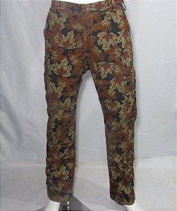 Calça camuflada floral sarja reforçada