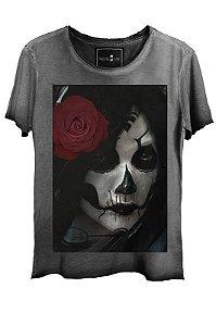 Camiseta  Estonada Gola Canoa Corte a Fio Exotic Girl