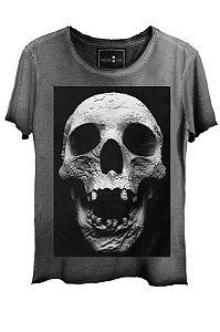 Camiseta Estonada Gola Canoa Corte a Fio Cranio
