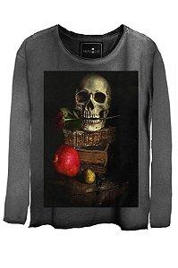 Camiseta Estonada Gola Canoa Manga Longa Skull Book