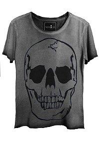 Camiseta Estonada Gola Canoa Corte a Fio Beautiful Smile Skull