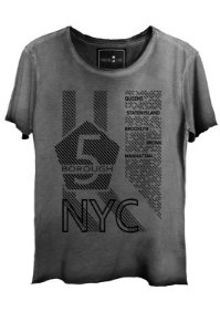 Camiseta Estonada Gola Canoa Corte a Fio NYC Queens