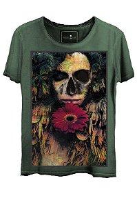 Camiseta Estonada Gola Canoa Corte a Fio  Love Skull