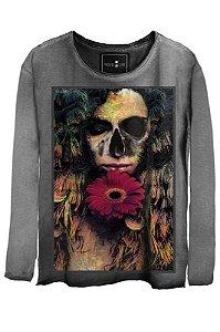 Camiseta Estonada Gola Canoa Manga Longa  Love Skull