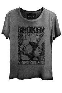 Camiseta Estonada Gola Canoa Corte Grafite Broken 7925