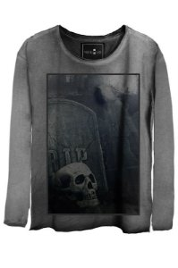 Camiseta  Estonada Gola Canoa Manga Longa Skull Graveyard