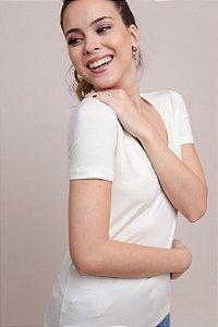 T-Shirt Feminina Gola Careca Modal - Off-White