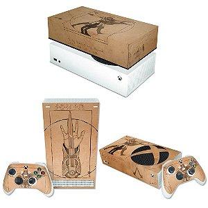 KIT Xbox Series S Skin e Capa Anti Poeira - Assassin'S Creed Vitruviano