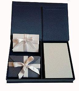 Caixa com cartões duplos e envelopes com blocos e Porta cartões