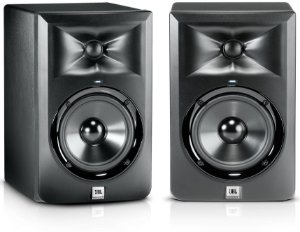 """Monitor de Studio JBL LSR305 5"""" 80W (PAR)"""