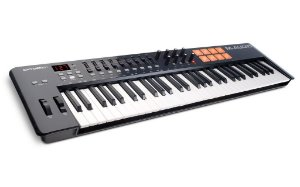 Teclado Controlador M-Audio OXYGEN 61 IV  USB MIDI 61 Teclas