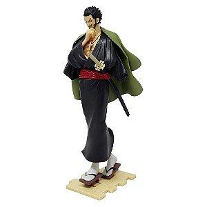Figure One Piece Dracule Mihawki Treasure Cruise Banpresto