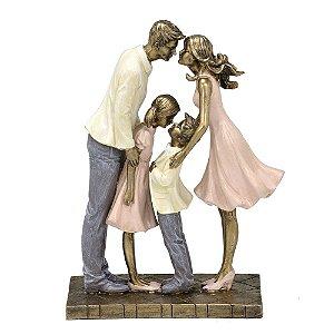 Estatua Familia Decorativa Pais Filho E Filha Resina Mabruk