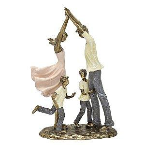 Estatua Familia Decorativa Pais E 2 Filhos Resina Mabruk