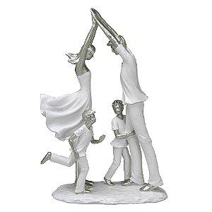 Estatua Família Decorativa Pais E 2 Filhos Mabruk