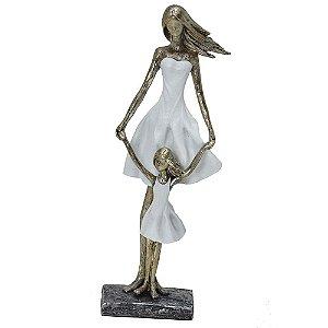Estatua Decorativa Mãe E Filha Com Vestido Mabruk