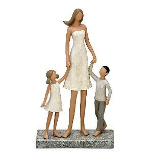 Estatua Decorativa Mãe Com Filho E Filha Resina Mabruk