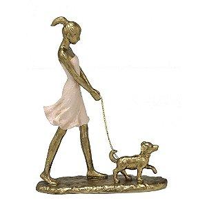 Estatua Menina Decorativa Passeio Com Cachorro Resina Mabruk