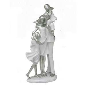 Estatua Familia Decorativa Pais E 2 Filhas Resina Mabruk