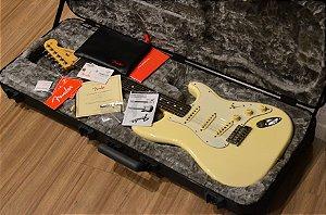 Guitarra Fender Stratocaster American Professional