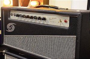 Amplificador Category V Andrew