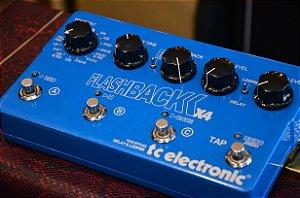 Pedal TC Eletronic Flashback X4 Delay - Looper