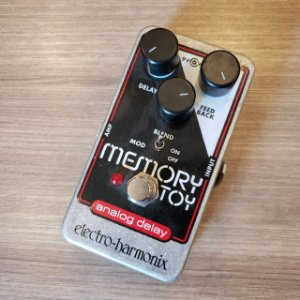 Pedal EHX Memory Toy Analog Delay