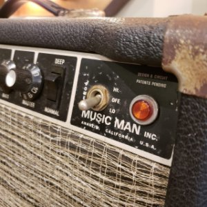 Amplificador Music Man HD130