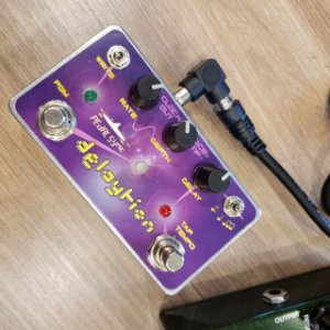 Pedal MXR Carbon Copy Molten Voltage Mod