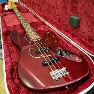 Baixo Fender Jazz Bass Standard