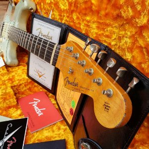 Guitarra Fender Stratocaster 1960 Relic Custom Shop