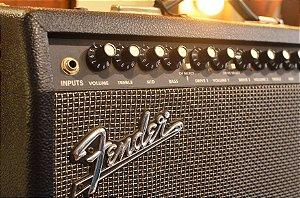 Amplificador Fender Deluxe 900