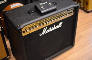 Amplificador Marshall MG100DFX