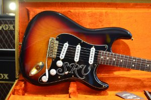 Guitarra Fender Stratocaster Stevie Ray Vaughan Signature