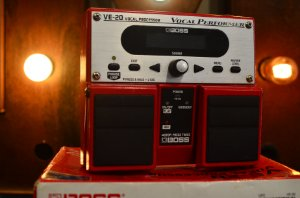 Pedal Boss VE-20 (Usado)
