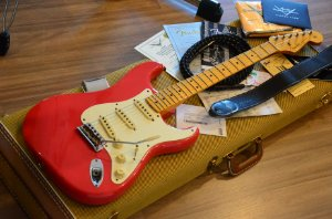 Guitarra Fender Stratocaster Custom Shop NOS 1957 Journeyman