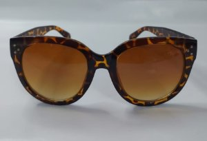Óculos de Sol Modelo Laine