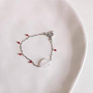 Pulseira Quartzo Rosa Claro com Miçangas Vermelhas Banhada em Ródio Branco